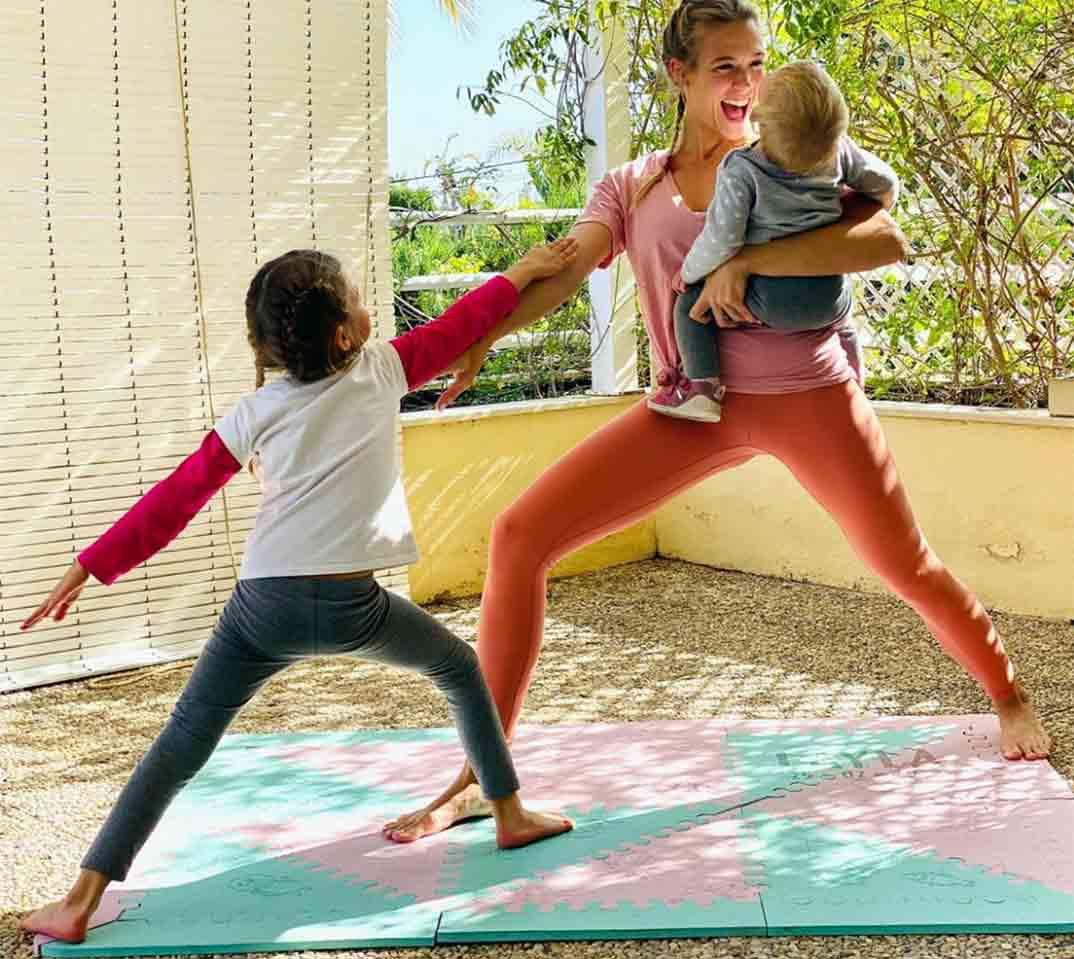 Patricia Montero con sus dos hijas © Instagram