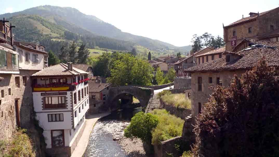 Viajeros Cuatro-Cantabria-Potes © Mediaset
