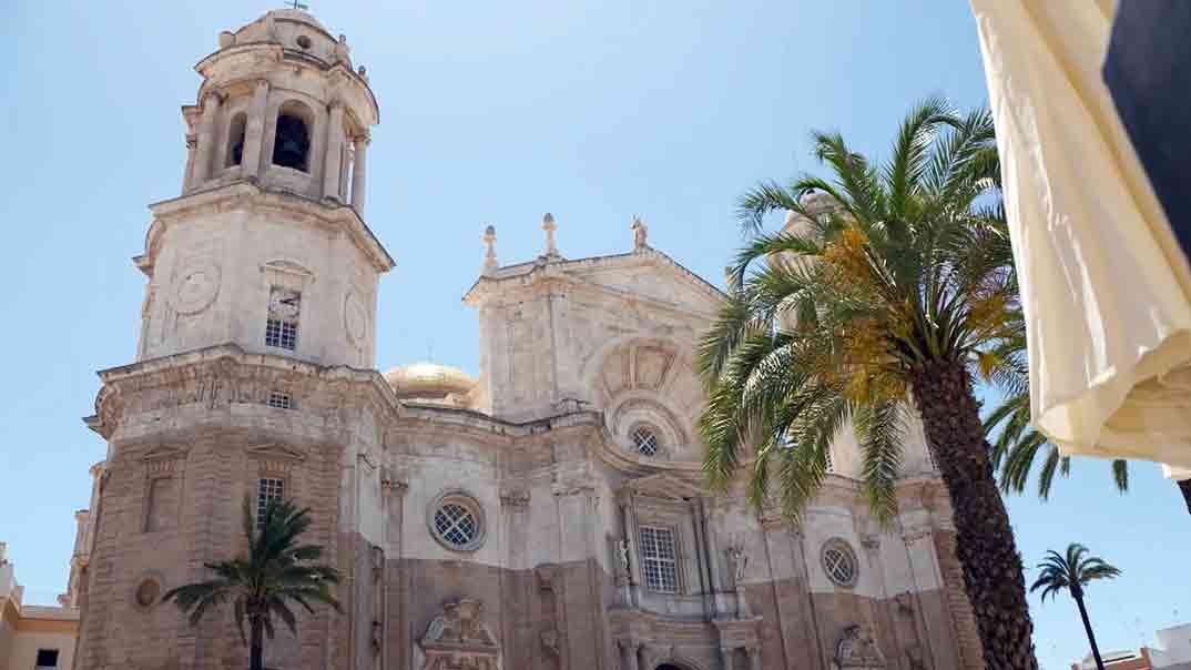 Viajeros Cuatro - Catedral de Cádiz © Mediaset