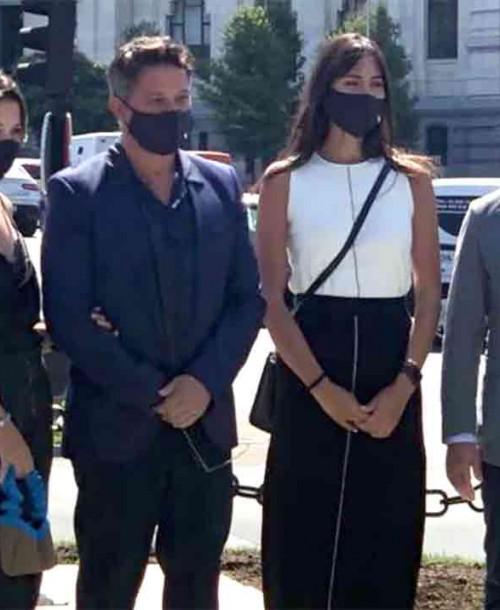 """Alejandro Sanz presenta """"oficialmente"""" a su novia, Rachel Valdés"""