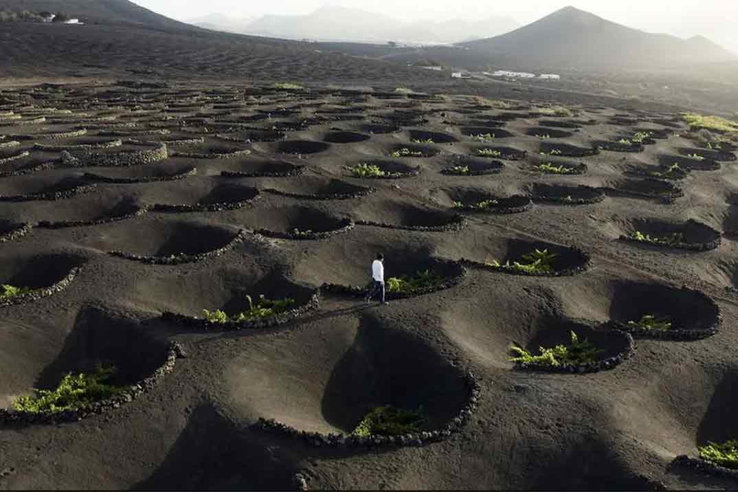 'Viajeros Cuatro' pone rumbo a Lanzarote, la isla del fuego