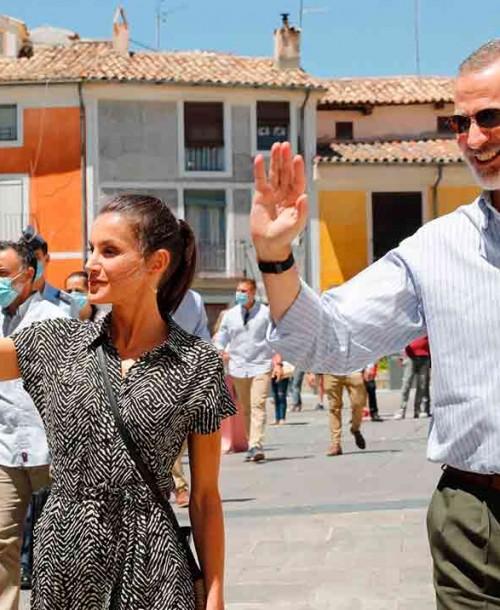 La reina Letizia conquista Cuenca con un mono de Mango