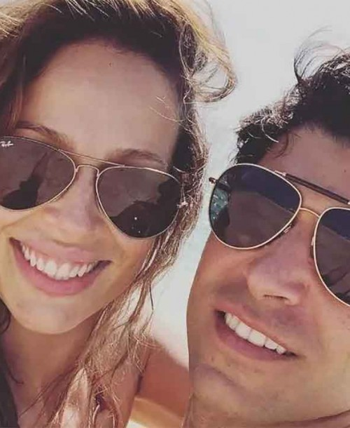 Eva González y Cayetano Rivera se relajan en Ibiza ajenos a la polémica de Karelys