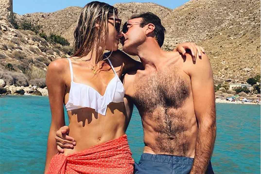 Enrique Ponce y Ana Soria comparten su «penúltimo baño»