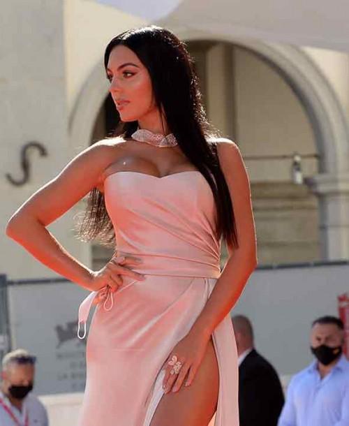 Georgina Rodríguez, la mas sexy sobre la alfombra roja del Festival de Venecia
