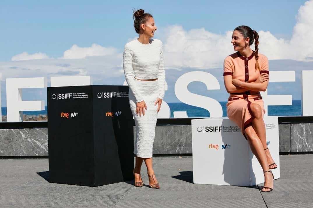 'Hermanas' – Irene Escolar y Bárbara Lennie conquistan San Sebastián