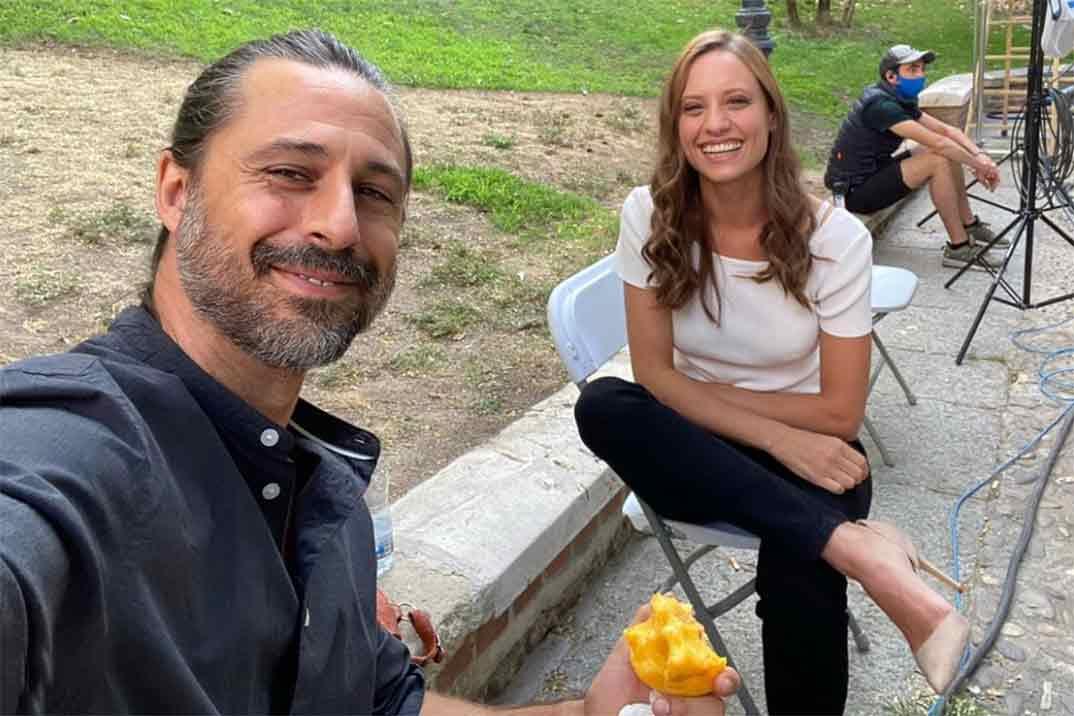 Hugo Silva y Michelle Jenner revolucionan a sus seguidores con su primera imagen del regreso a 'Los hombres de Paco'