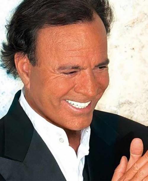 Julio Iglesias cumple 77 años recuperado y planeando nueva gira