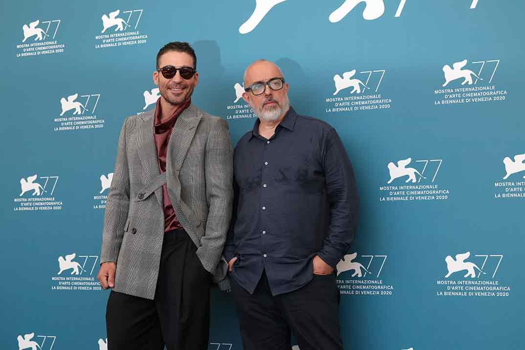 Miguel Ángel Silvestre y Álex de la Iglesia © Festival de Cine de Venecia - Foto ASAC