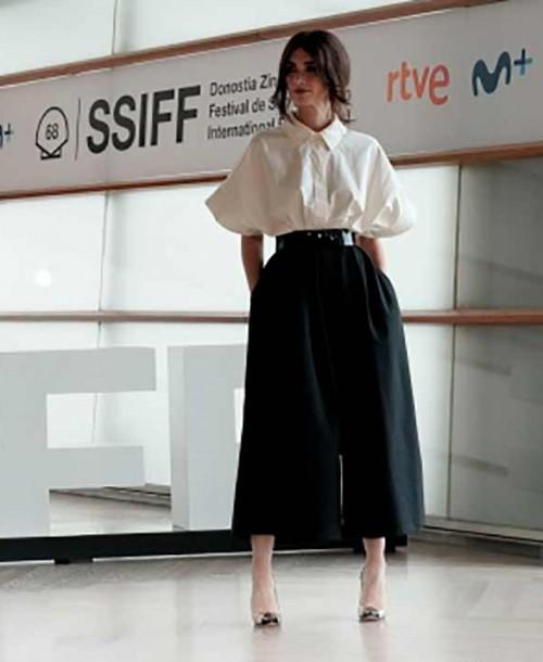 El perfecto look working girl de Paz Vega en San Sebastián
