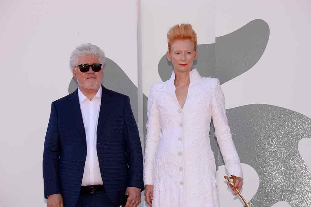 Pedro Almodóvar y Tilda Swinton - Festival de cine de Venecia Credits La Biennale di Venezia © Foto ASAC, photo by Giorgio Zucchiatti