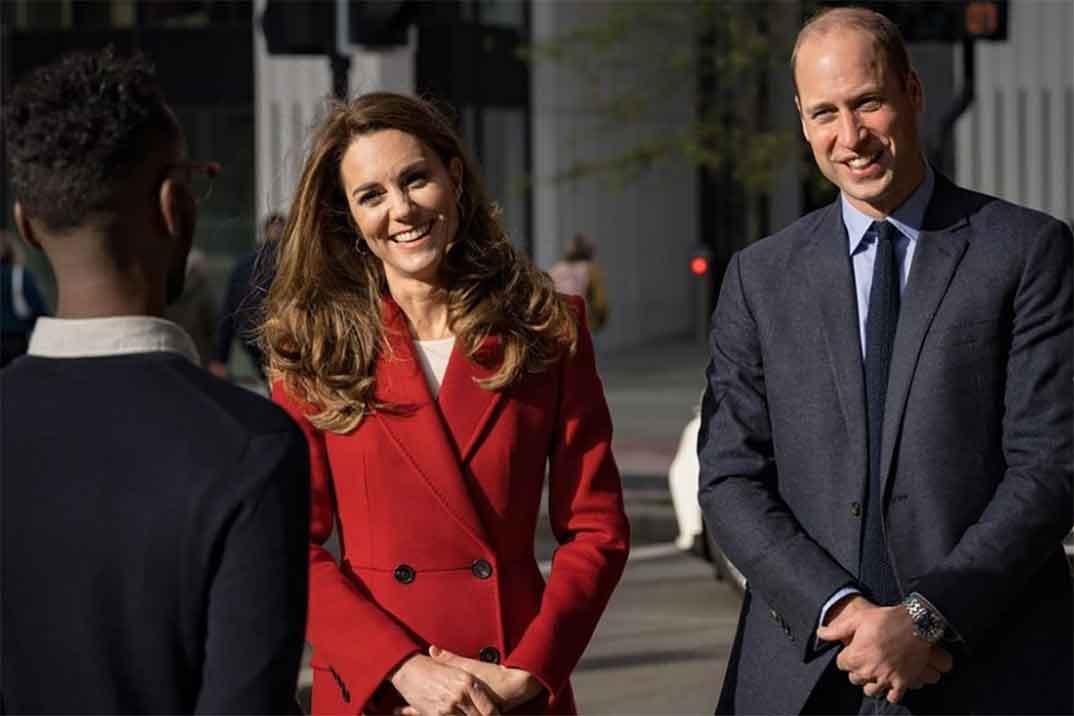 Kate Middleton estrena el abrigo rojo perfecto