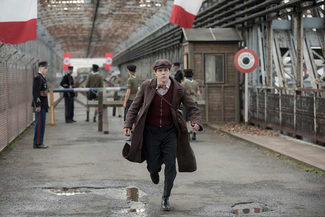 'Resistencia' protagonizada por Jesse Eisenberg – Estreno en Movistar+