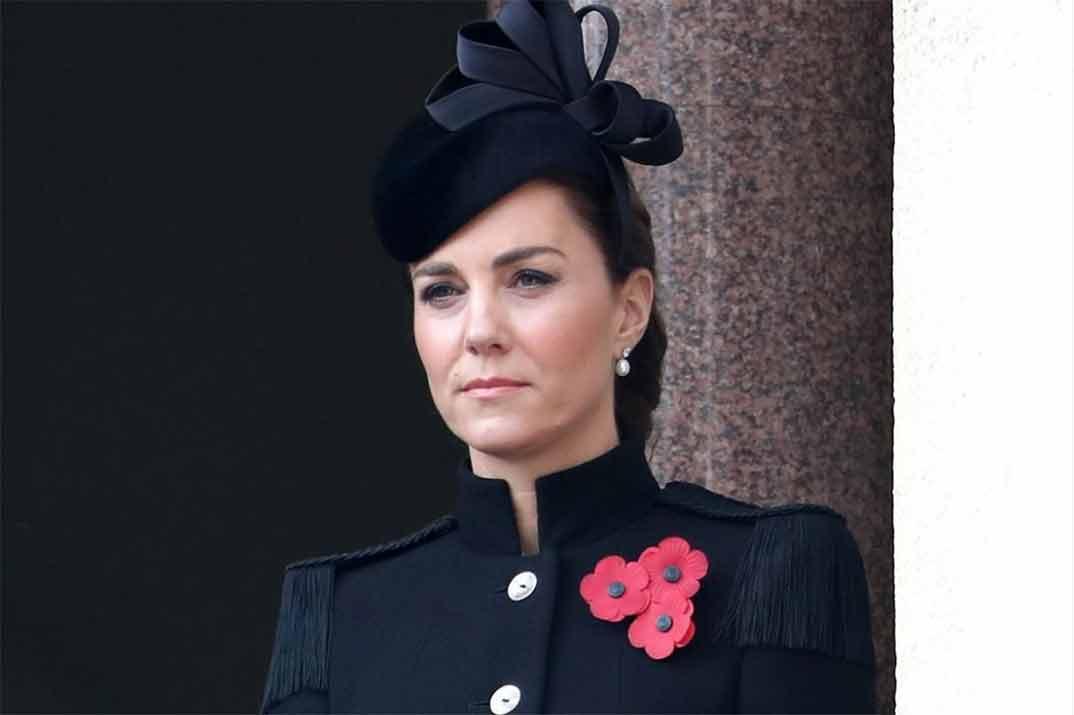El bonito abrigo de inspiración militar de Kate Middleton