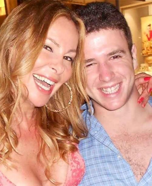 Ana Obregón rememora, con un emotivo video, sus 27 navidades con su hijo Alex Lequio