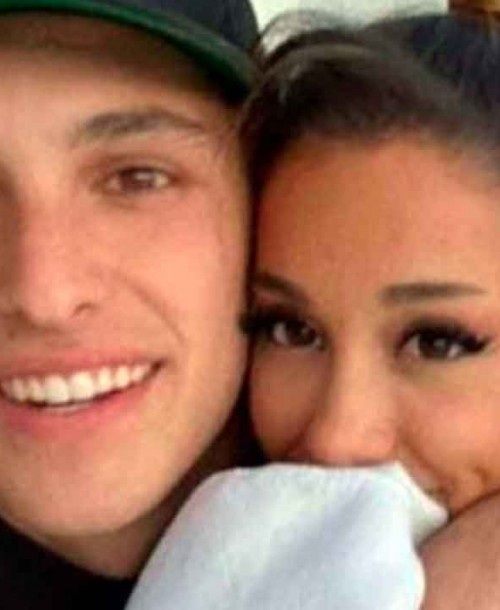 Ariana Grande presume de anillo de compromiso