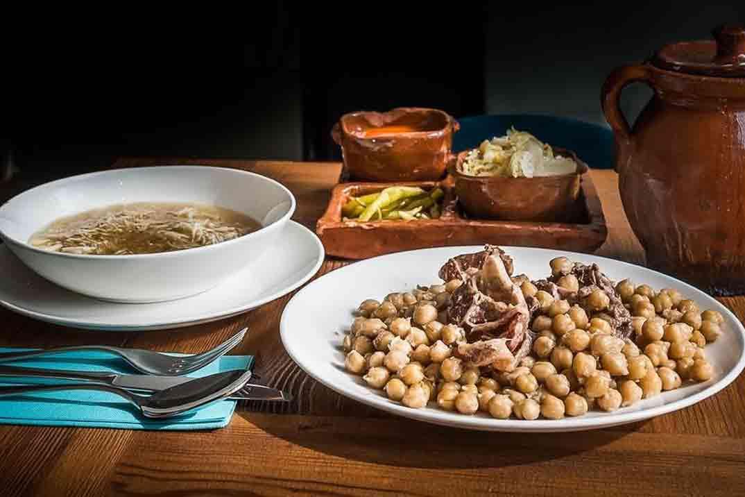 «La Casa de Cristal» cocina tradicional renovada en el centro de Madrid