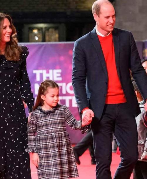 Los duques de Cambridge llevan a sus hijos, por primera vez, al teatro