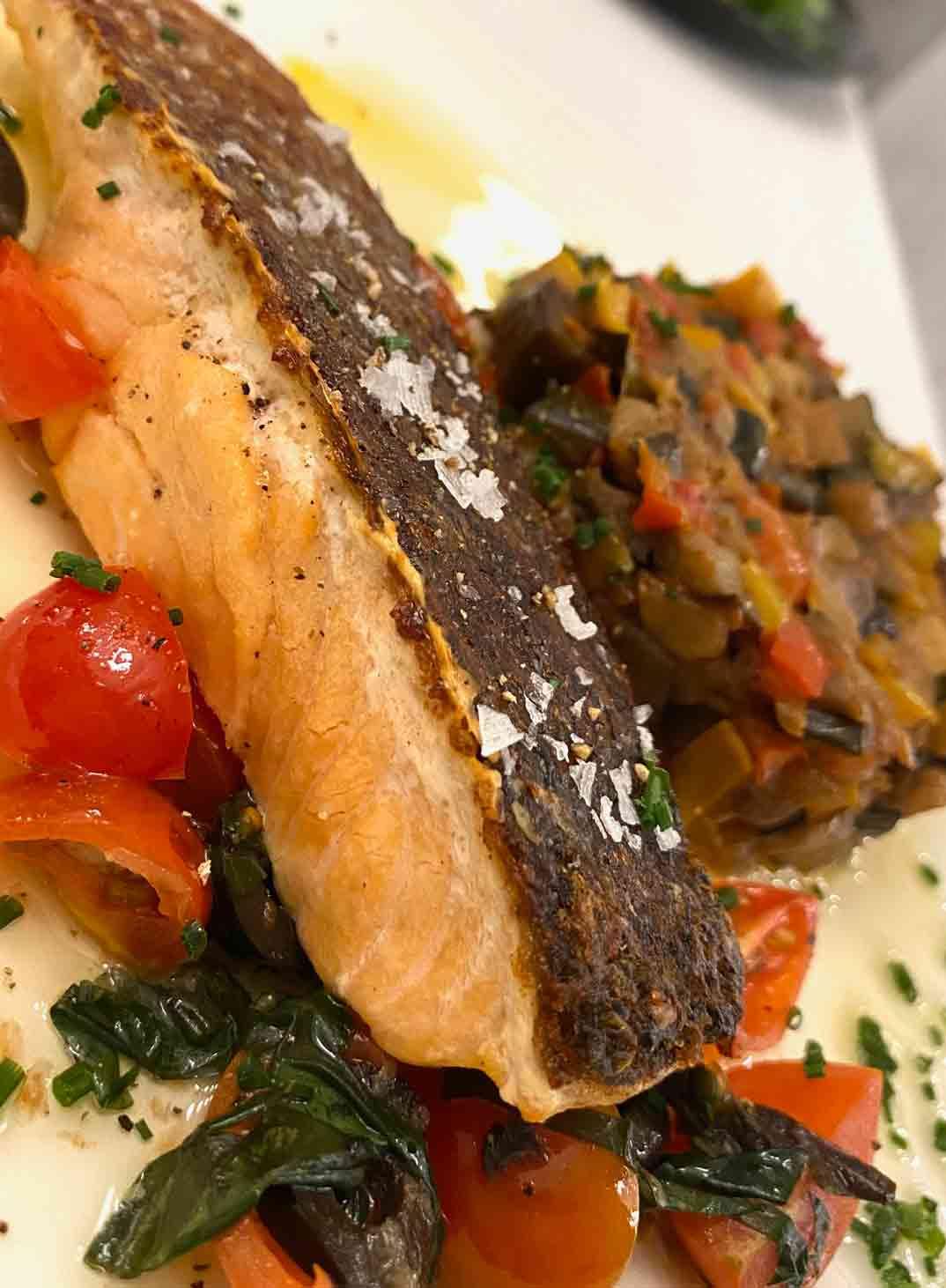 maison-melie-salmon