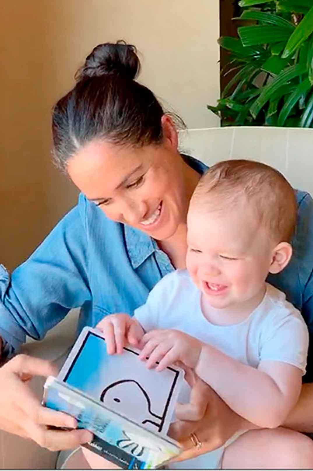Meghan Markle con su hijo Archie