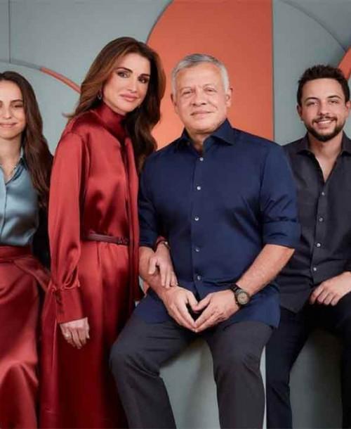 La sofisticada felicitación navideña de Raina de Jordania