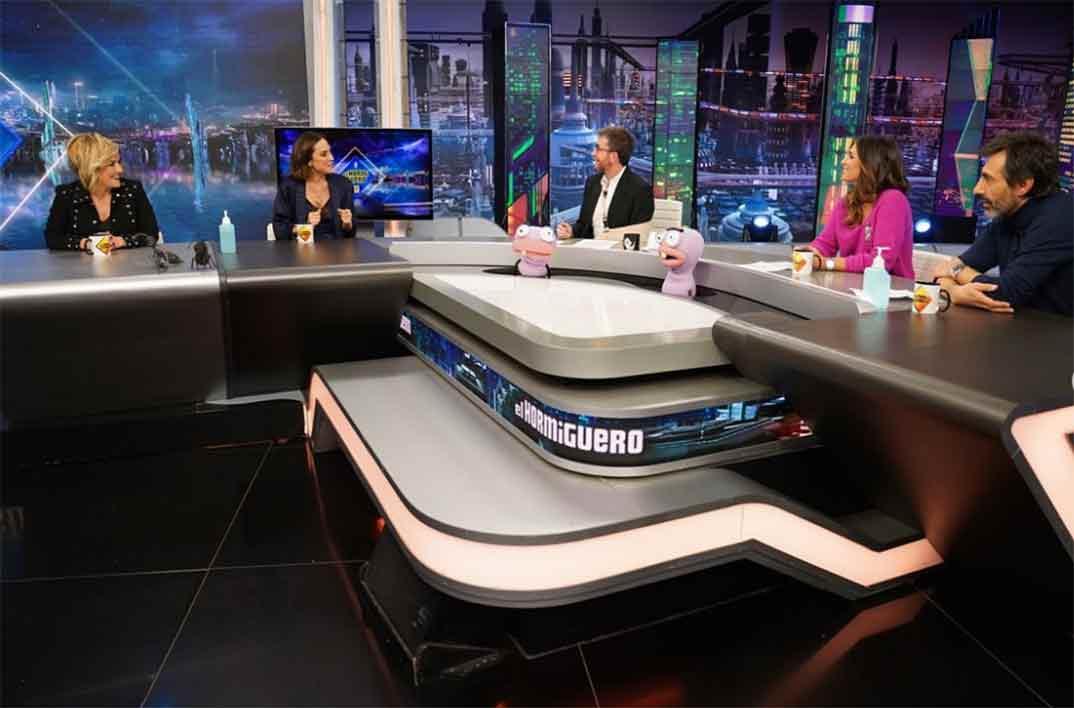 Pablo Motos con Cristina Pardo, Tamara Falcó, Nuria Roca y Juan del Val - El Hormiguero © Antena 3