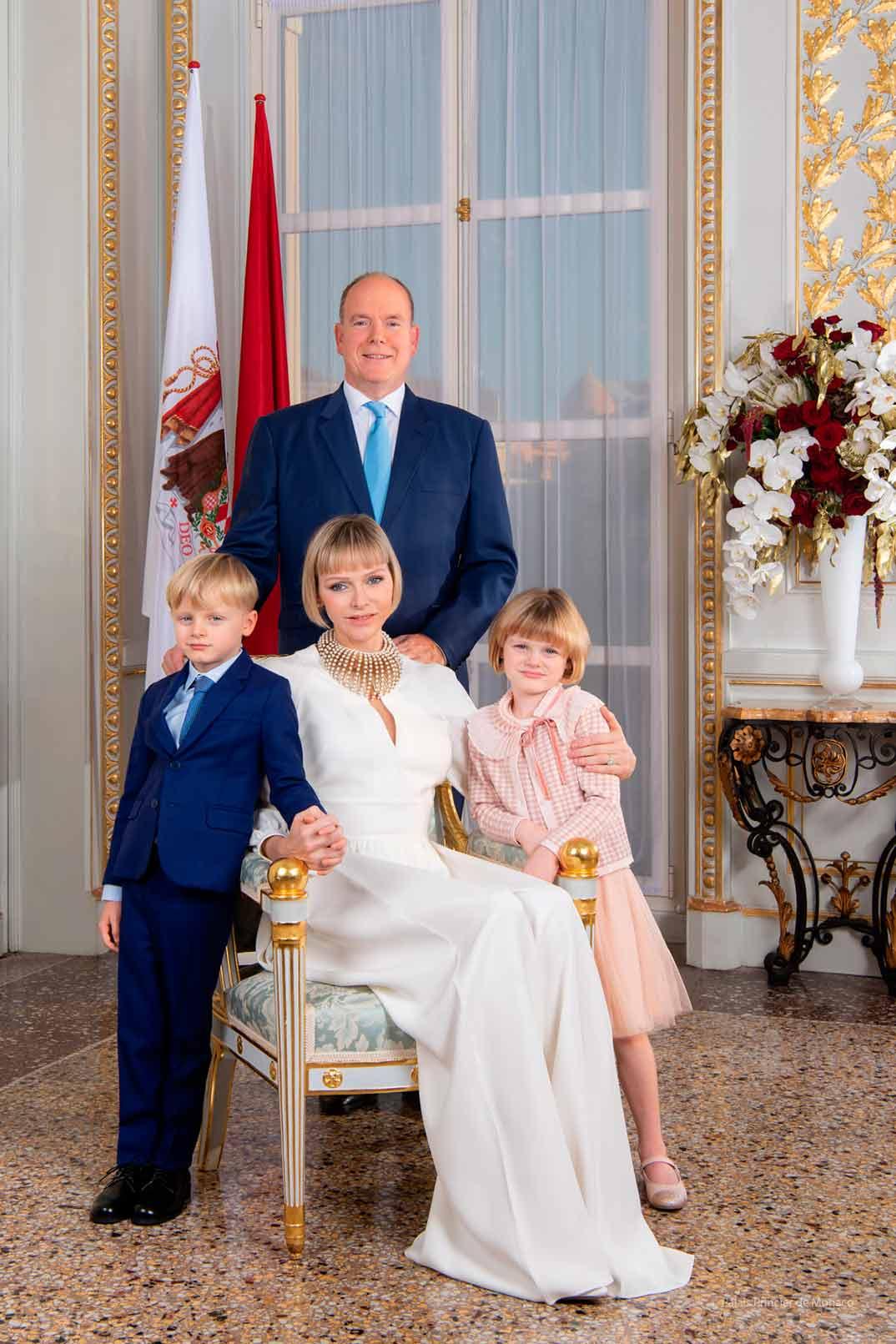 Alberto y Chalene de Mónaco con sus hijos Jacques y Gabriela @palaismonaco
