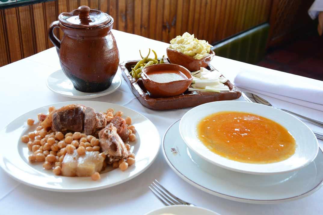 """Restaurante """"La Cañada"""" sigue apostando por la cocina tradicional española"""