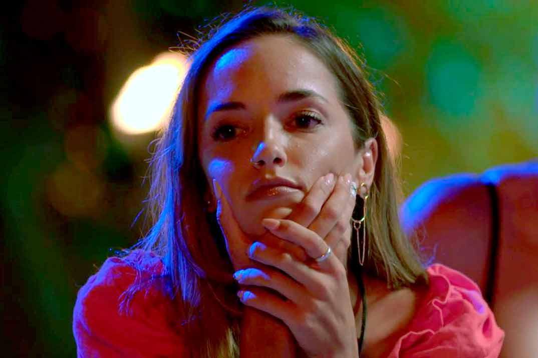 Lucía estalla contra Manuel tras ver la doble infidelidad