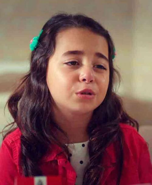 """""""Mi hija"""" Capítulo 8: Öykü conmueve al doctor, ¿mantendrá en secreto su enfermedad?"""