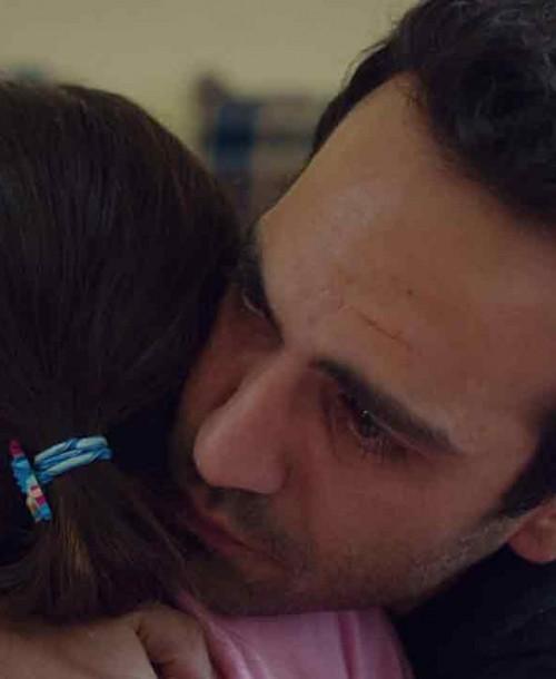 """""""Mi hija"""" Capítulo 9: Demir abraza a Öykü tras descubrir su enfermedad"""