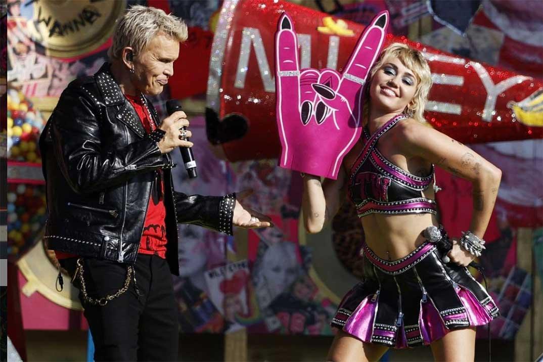 Super Bowl 2021: Así fueron las actuaciones de  Miley Cyrus y The Weeknd en el midtime