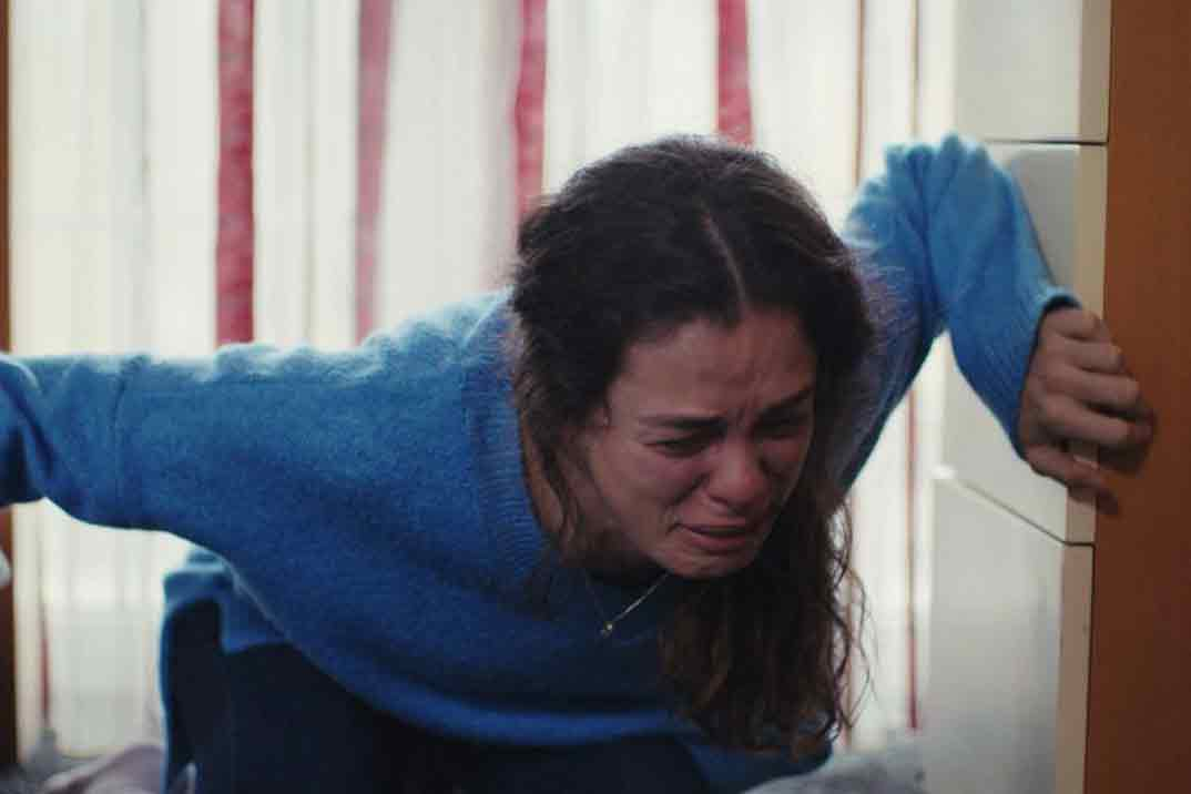 «Mujer» Capítulo 50: Bahar, dispuesta a acabar con la farsa de Sarp acudiendo a la Policía
