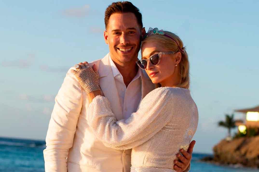 El espectacular anillo de compromiso de Paris Hilton