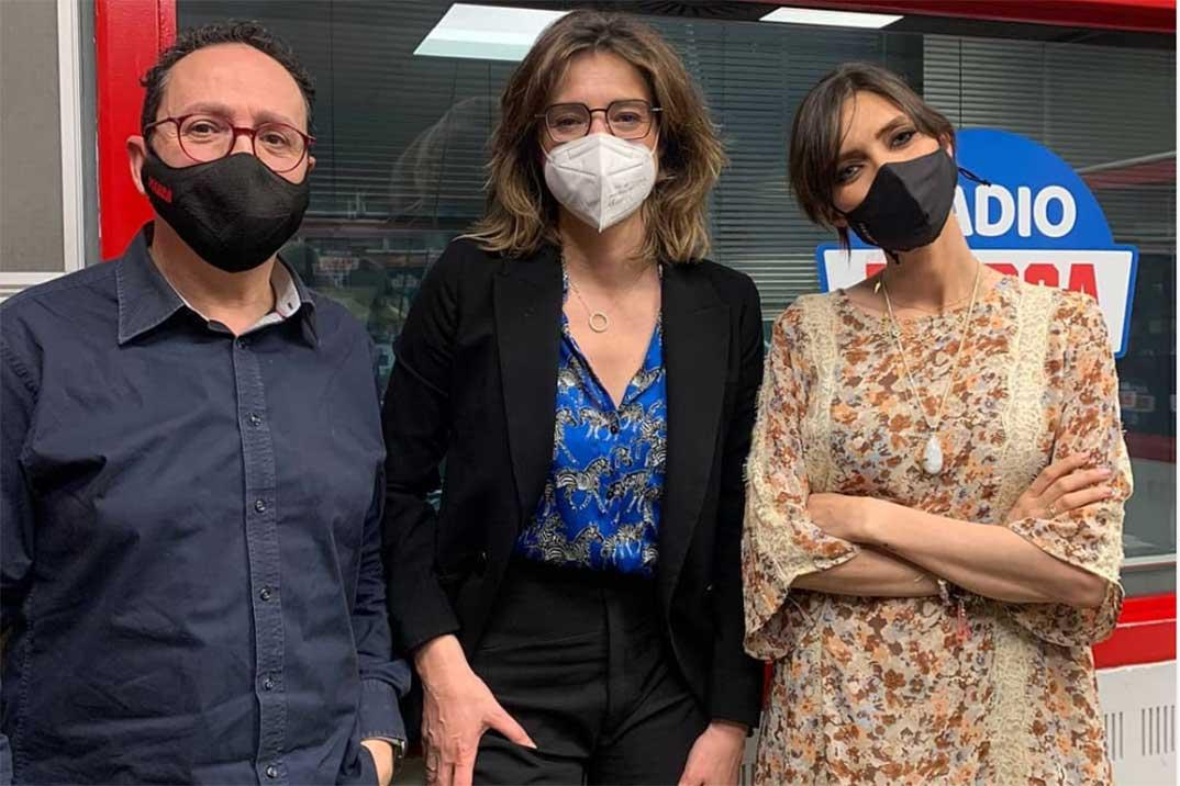 """Sandra Barneda confiesa su última """"tentación"""" a Sara Carbonero"""