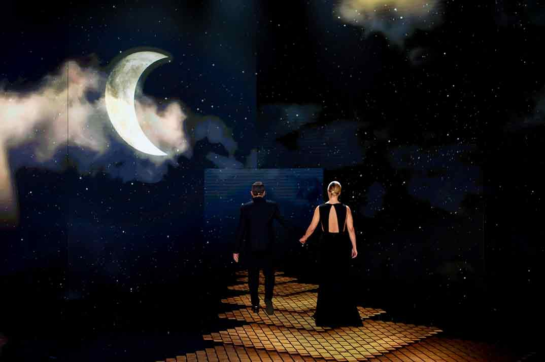 Despedida de Antonio Banderas y María Casado en la gala de los Premios Goya 2021 ©Ana Belén Fernández – Cortesía de la Academia de Cine