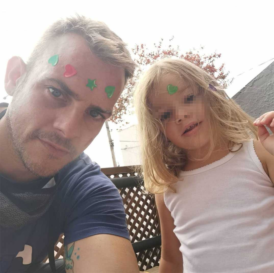 Álex Casademunt con su hija Bruna © Instagram