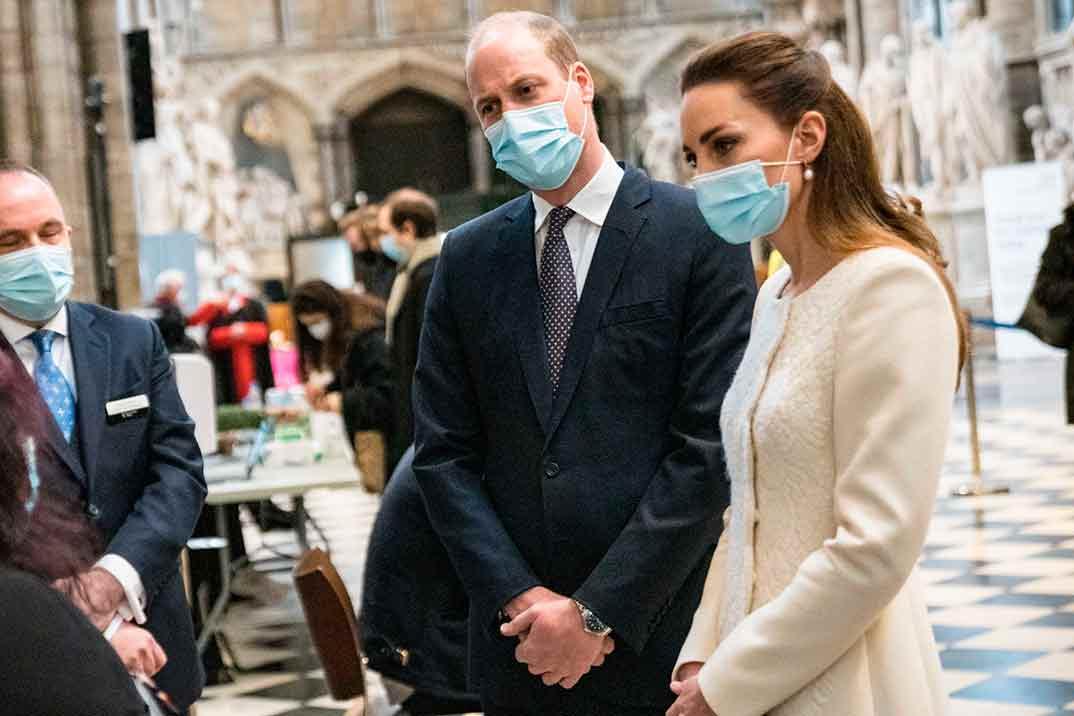 Los duques de Cambridge rememoran el día de su boda con una visita a la abadía de Westminster