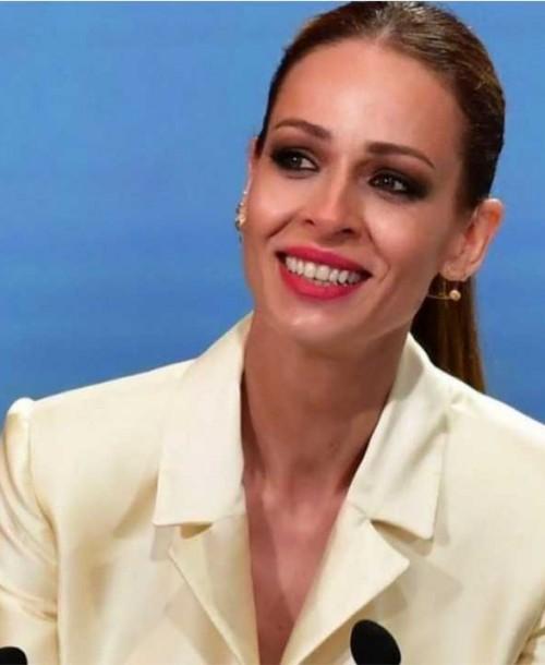 Las lágrimas de Eva González en la entrega de las Medallas de Andalucía