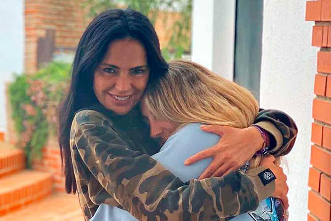 La emotiva despedida de Rocío Flores y Olga Moreno antes de ir a 'Supervivientes'