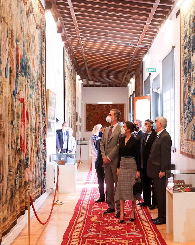 Reyes Felipe y Letizia - Real Fábrica de Tapices © Casa S.M. El Rey