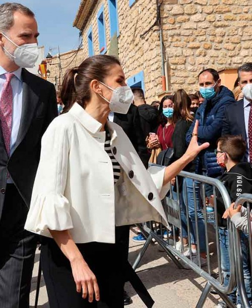 El perfecto look primaveral de la reina Letizia, con una chaqueta con 12 años