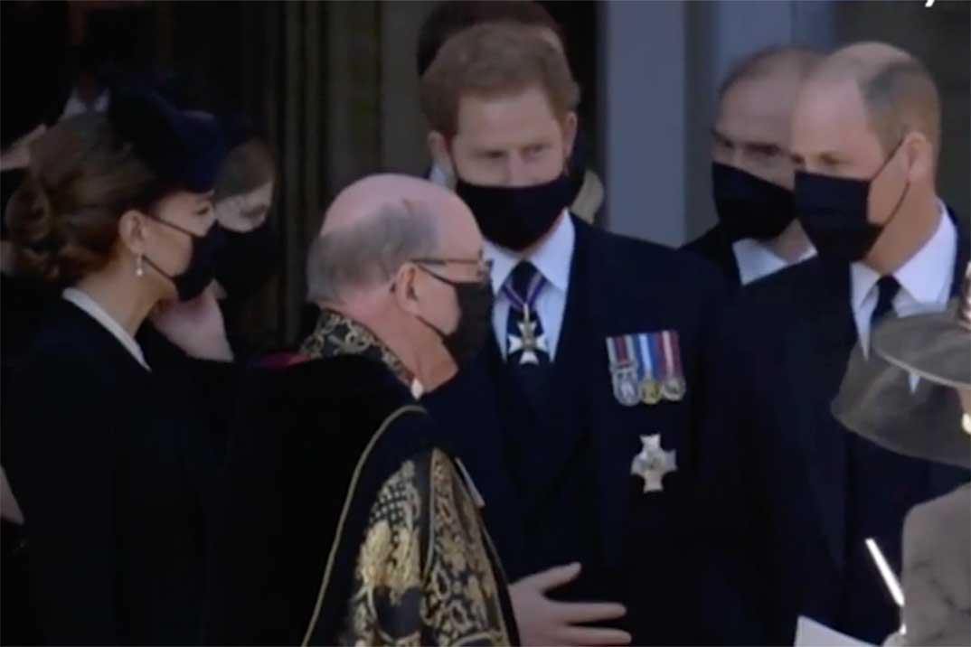 ¿De qué hablaron los príncipes Guillermo y Harry en el funeral de su abuelo?