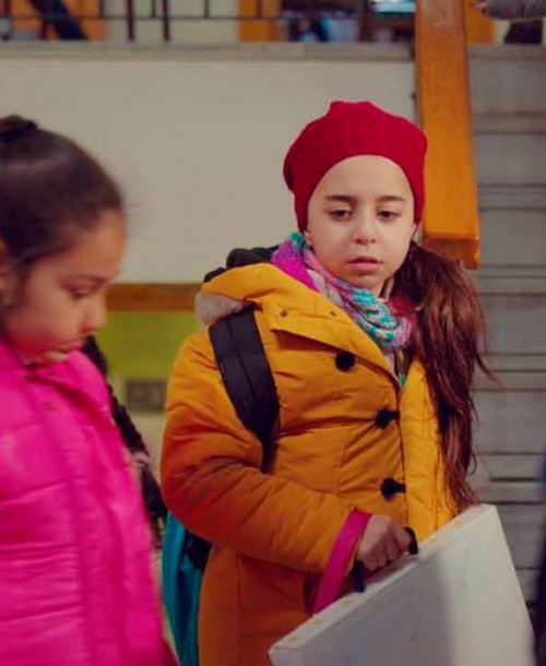 """Mi hija"" Capítulo 20: Demir llama a Candan: no sabe dónde está Öykü"