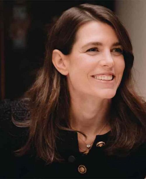 Carlota Casiraghi sorprende cantando en un evento de Chanel