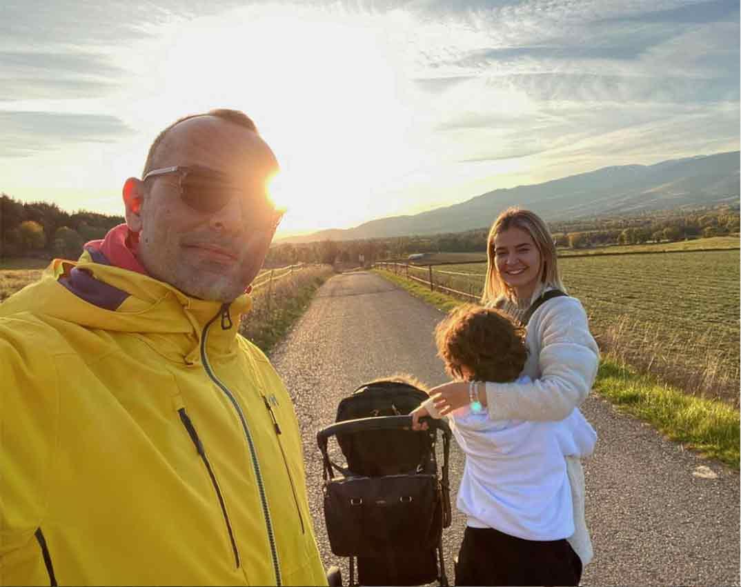 Laura Escanes y Risto Mejide con sus hijos © Instagram