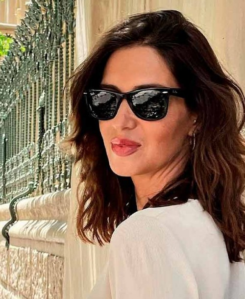 Sara Carbonero y su perfecto look primaveral para pasear por las calles de Madrid