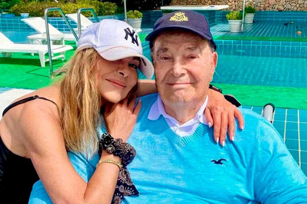 """Ana Obregón se refugia con su padre en Mallorca: """"Cada vez somos menos, Papá"""""""