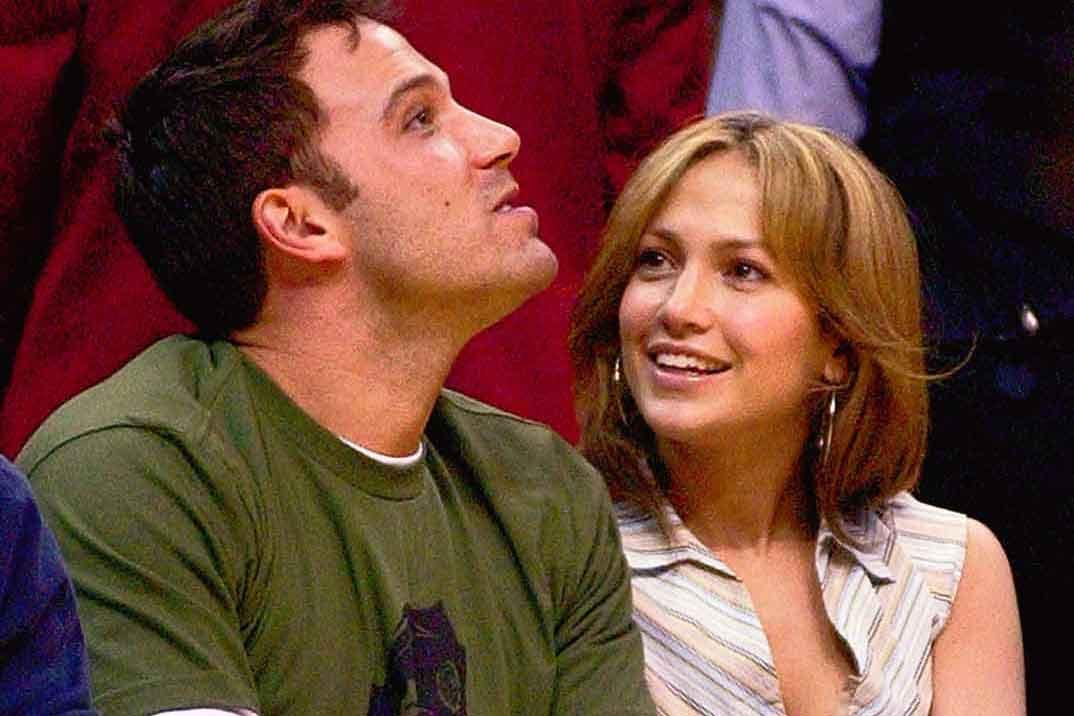 Jennifer Lopez y Ben Affleck… Las imágenes del beso que confirma su relación