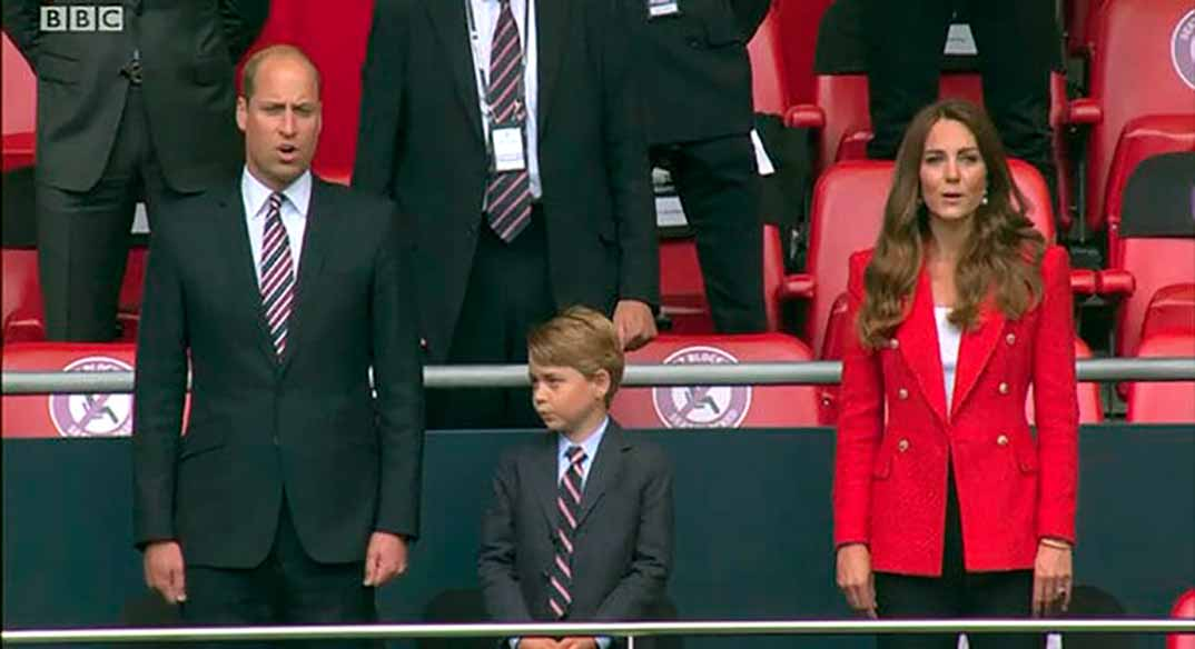 Príncipe Guillermo y Kate Middleton con su hijo George © dukeandduchessofcambridge